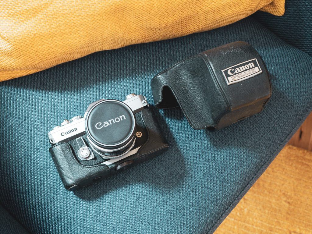Canon Pellix with lens cap and soft case